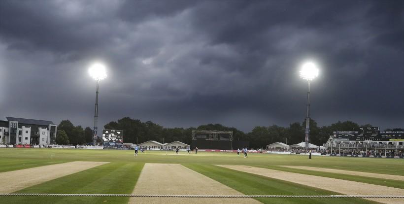 Storms cut short T20 v Sussex