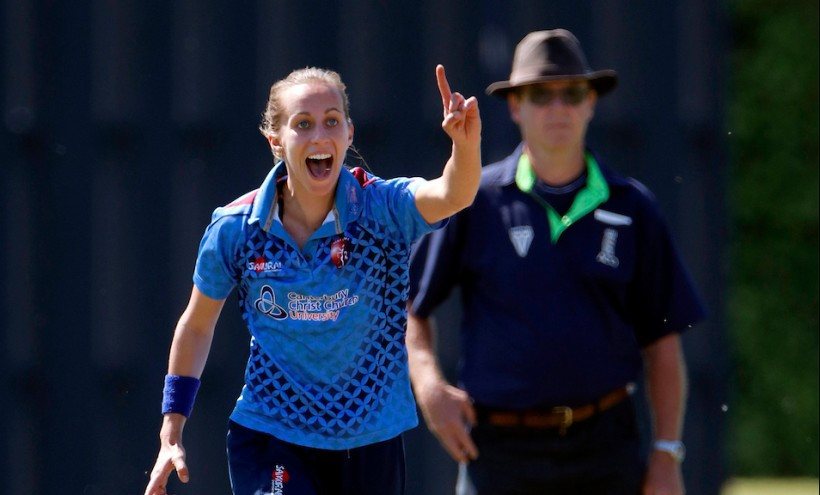 Farrant joins Oval Invincibles in The Hundred
