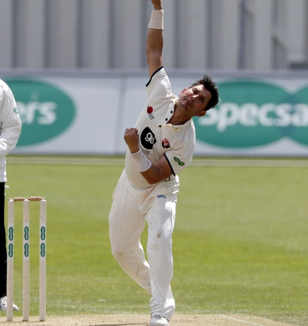 Shah takes five as Worcs end unbeaten run