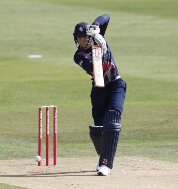 Crawley wins Cricket Writers' Club's NV Play Young Cricketer of the Year award