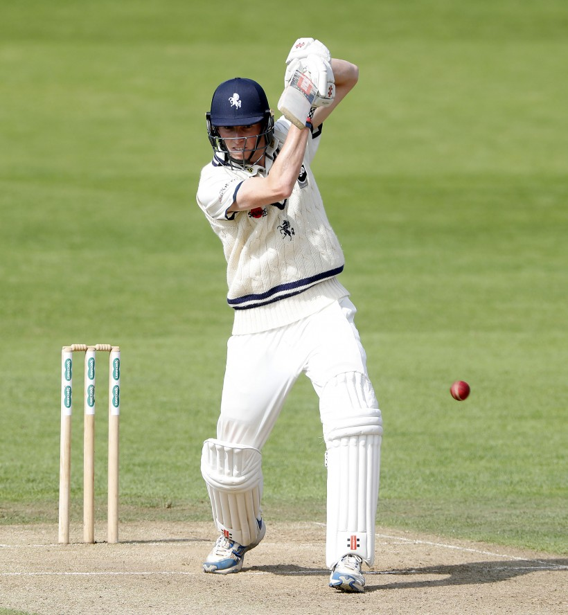 Crawley leads Kent reply