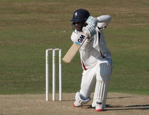 Bell-Drummond century helps Kent fight back at Leicester
