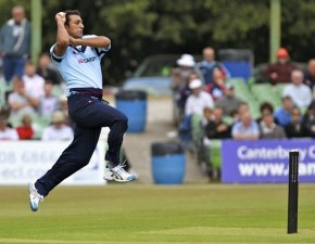 Spitfires Storm to Victory in CB40 Thriller at Hove