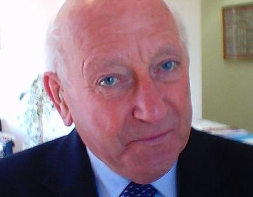 Kent stalwart Bob Deveson dies