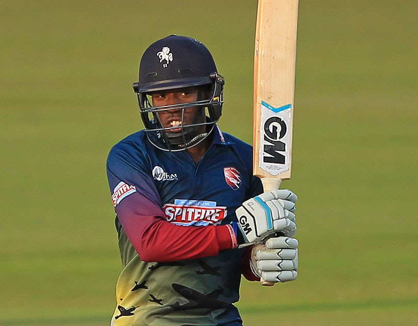 Daniel Bell-Drummond top-scores as South sweep North