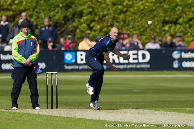 Tredwell named in England ODI and T20 squads