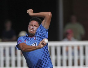 Claydon takes six wickets in opening weekend Down Under