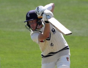 Essex set 202 to win ahead of Day Four