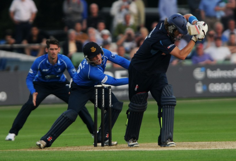 Match Highlights from the BBC: Kent v Sussex, Yorkshire Bank 40