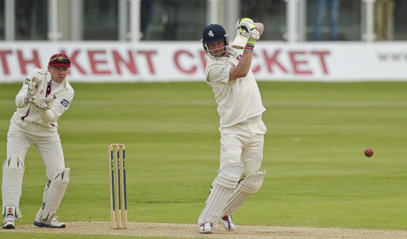 Kent respond to Northamptonshire's score