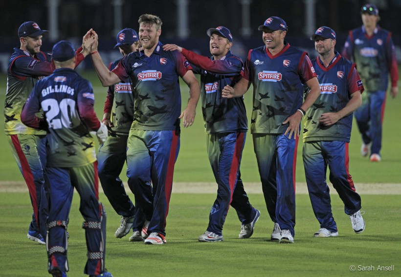 Kent Spitfires fight back to beat Sussex in NatWest T20 Blast opener