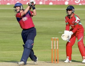 Kent Spitfires beat Glamorgan Dragons in final over thriller